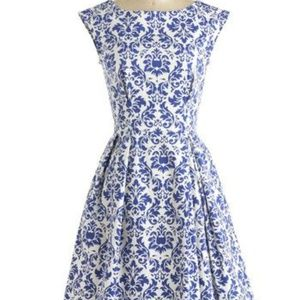 Gorgeous blue & white ModCloth dress size 8